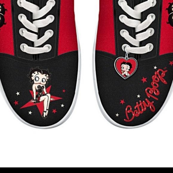 Betty Boop sneakers 9.5